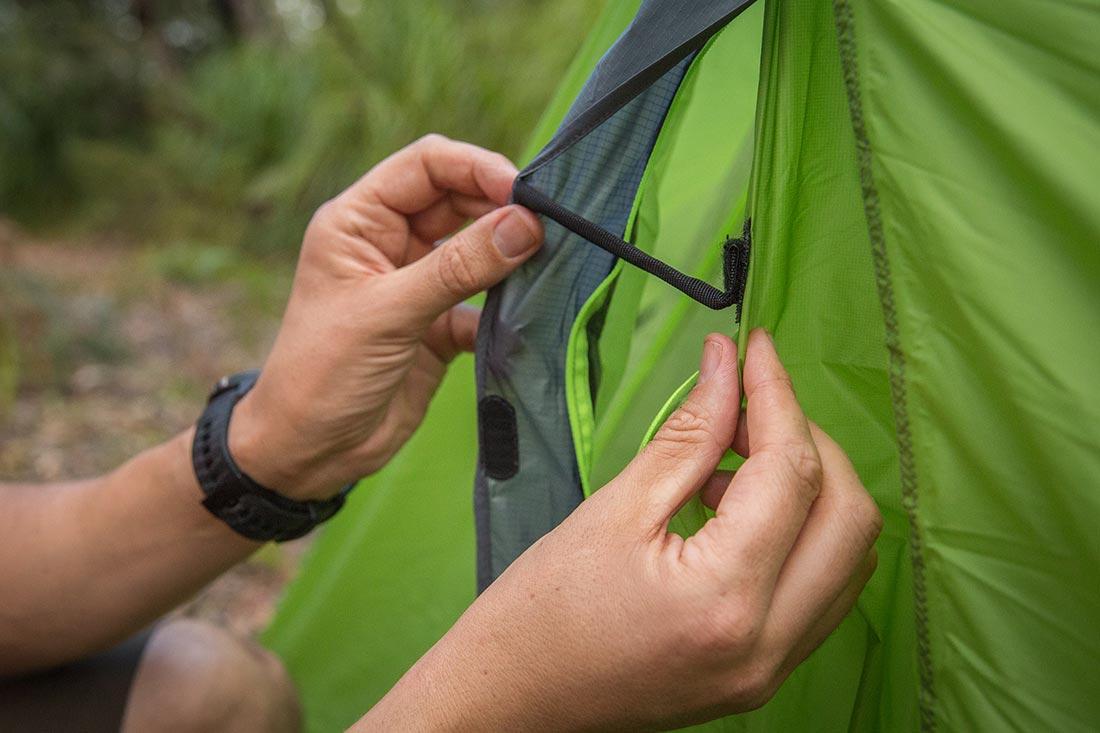 Вентиляционное окно ультралегкой двухместной палатки NEMO Dagger 2P