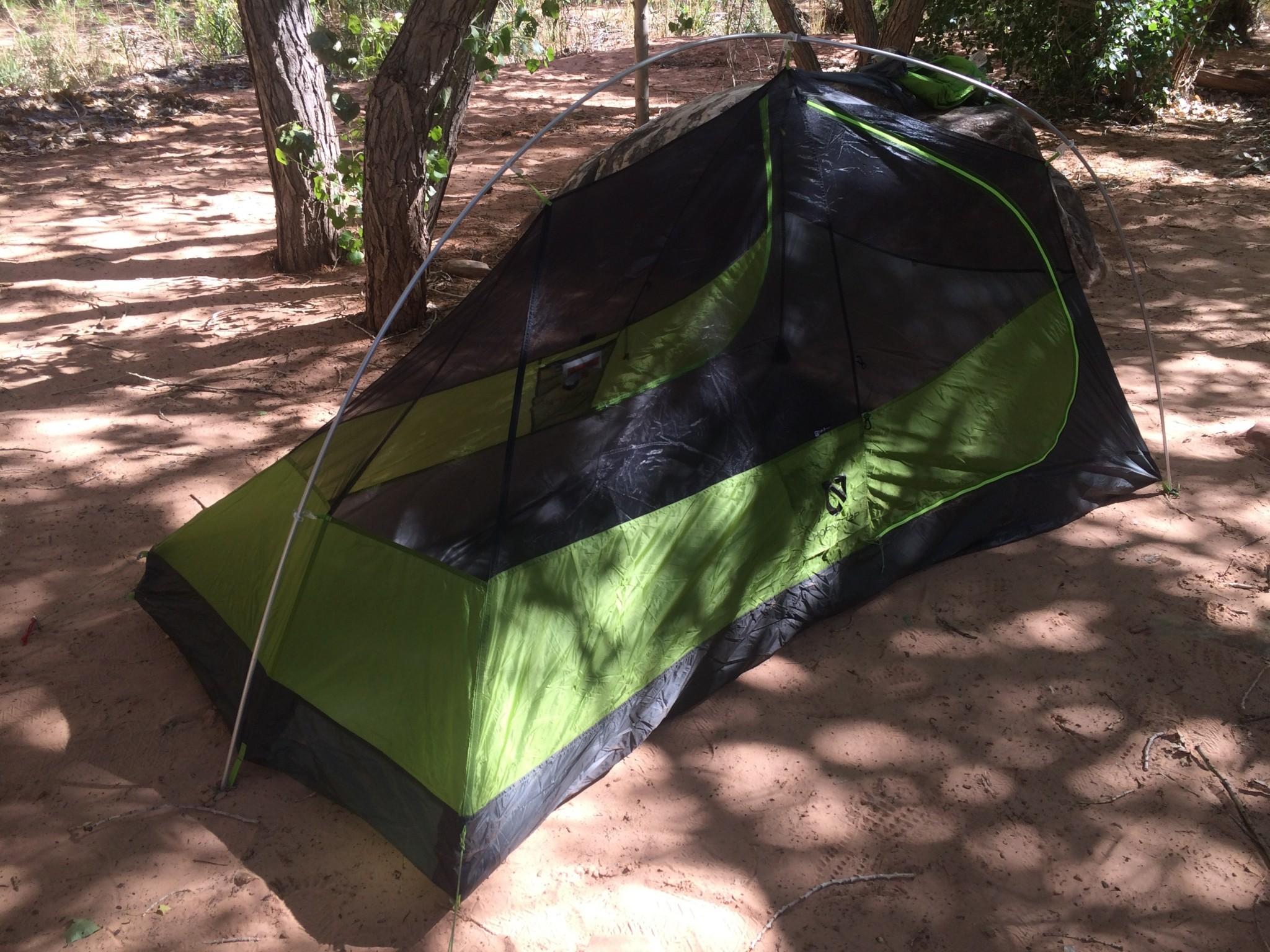 Конструкция туристической палатки для легкоходов NEMO Hornet 2