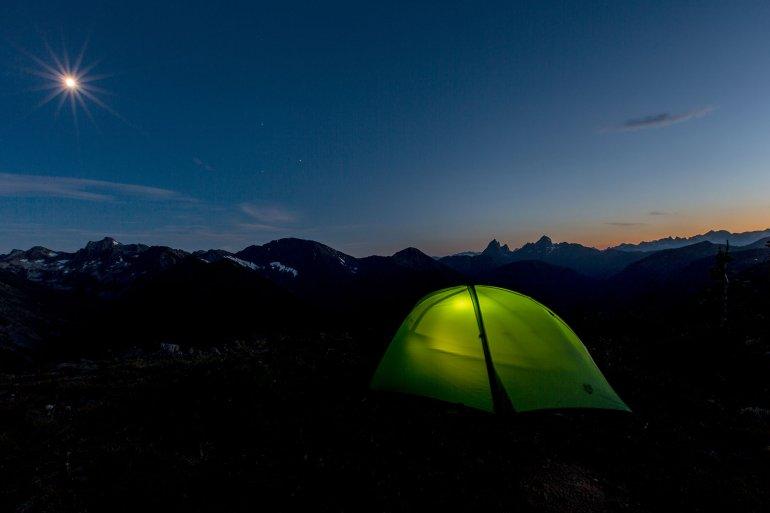 Туристическая палатка с двумя тамбурами NEMO Hornet 2P