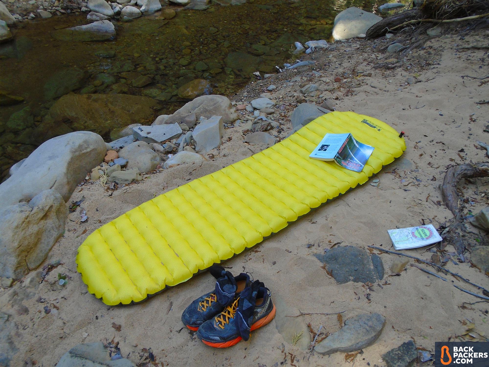Ультралегкий надувной коврик для туристических походов NEMO Tensor