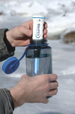 Походный ультрафиолетовый обеззараживатель воды SteriPEN